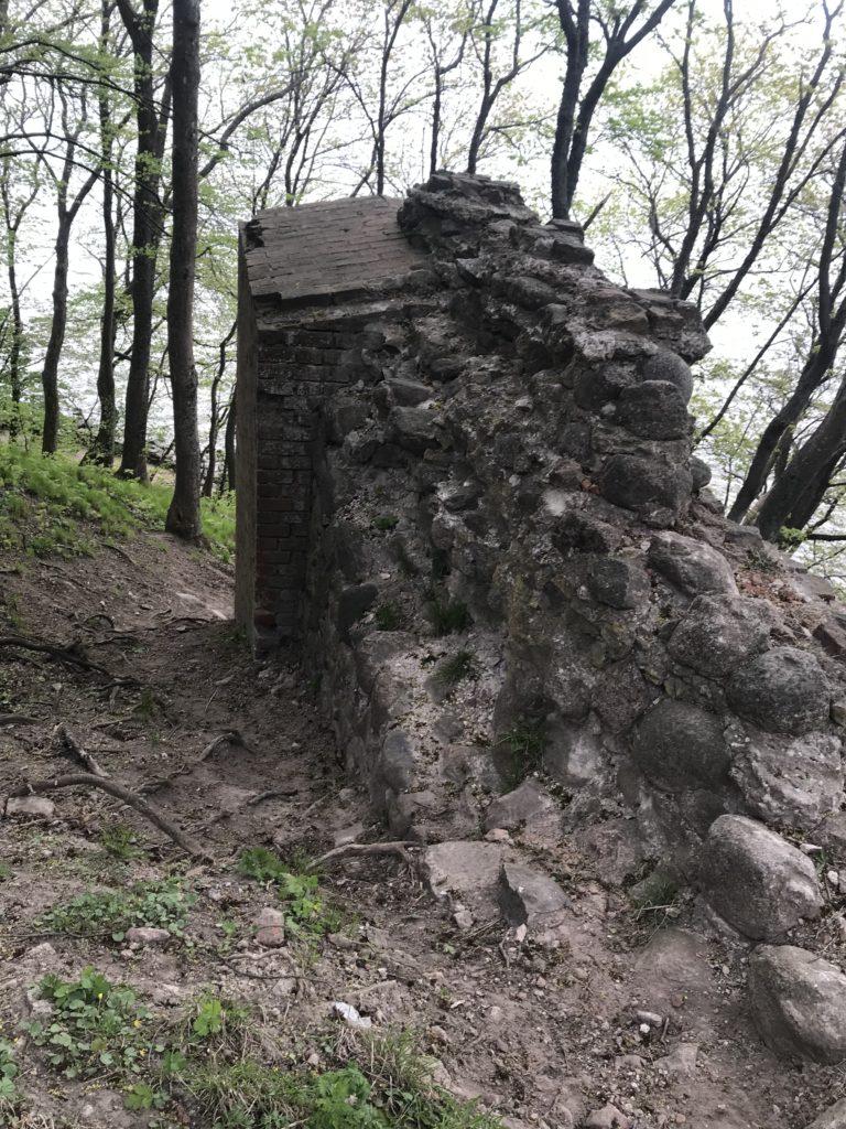 развалины древнего замка Бальга